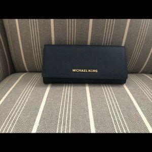 Brand new Michael Kors Jet Set Wallet